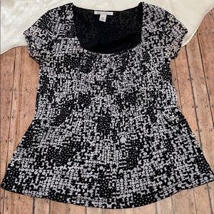 🎉Kenneth Cole Black and White Design Blouse🎉